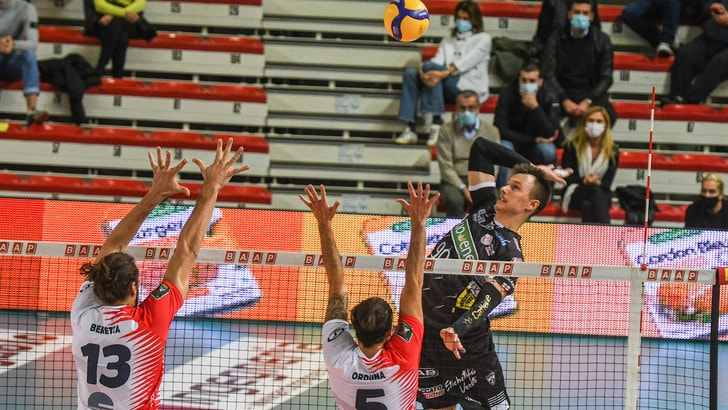 Superlega, per Perugia e Civitanova vittorie da tre punti