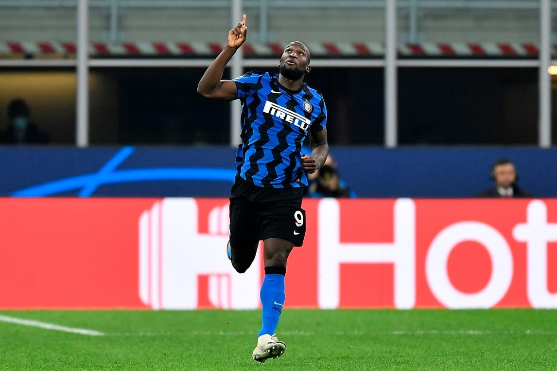 Lukaku bomber implacabile, salva l'Inter con il Borussia Mönchengladbach