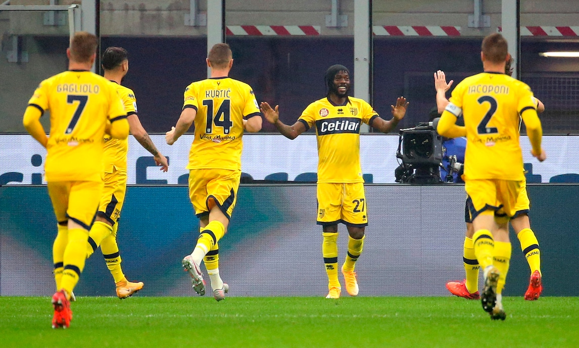 Gervinho show non basta al Parma: l'Inter acciuffa il 2-2