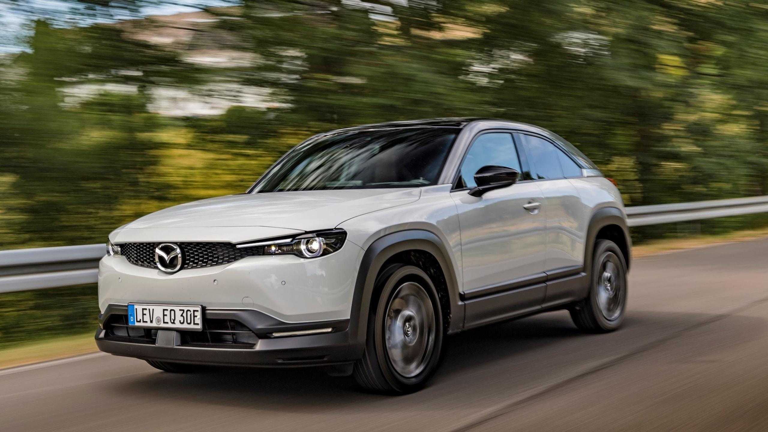 Mazda: tecnologie e design all'avanguardia LE FOTO