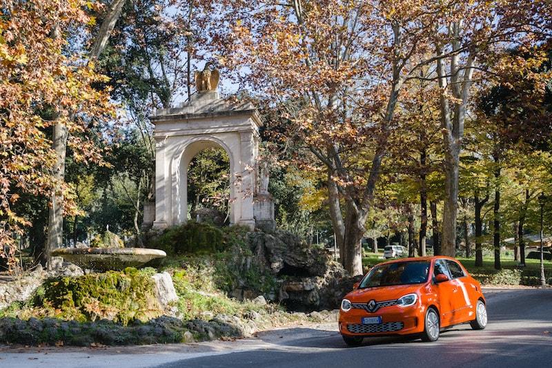 Nuova Renault Twingo: l'elettrica arriva a Roma