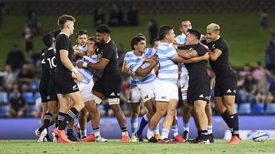 Rugby, gli All Blacks superano l'Argentina per 38-0 e evitano il terzo ko di fila