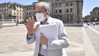 """Crisanti: """"Parliamo di sci con 600 morti al giorno. L'Italia non è un Paese normale"""""""