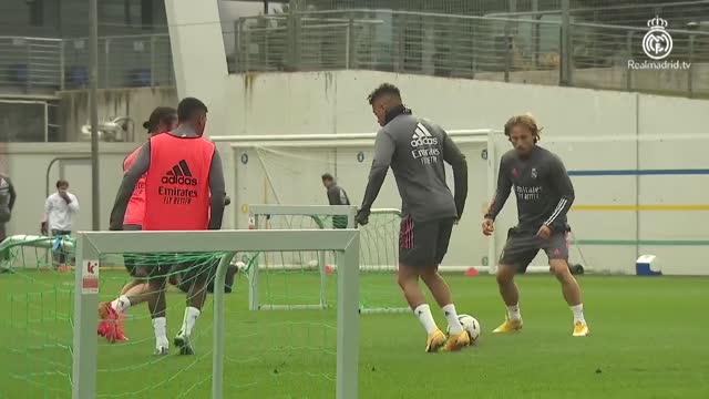 """Real Madrid, """"golazi"""" di Isco e Vinicius in allenamento"""