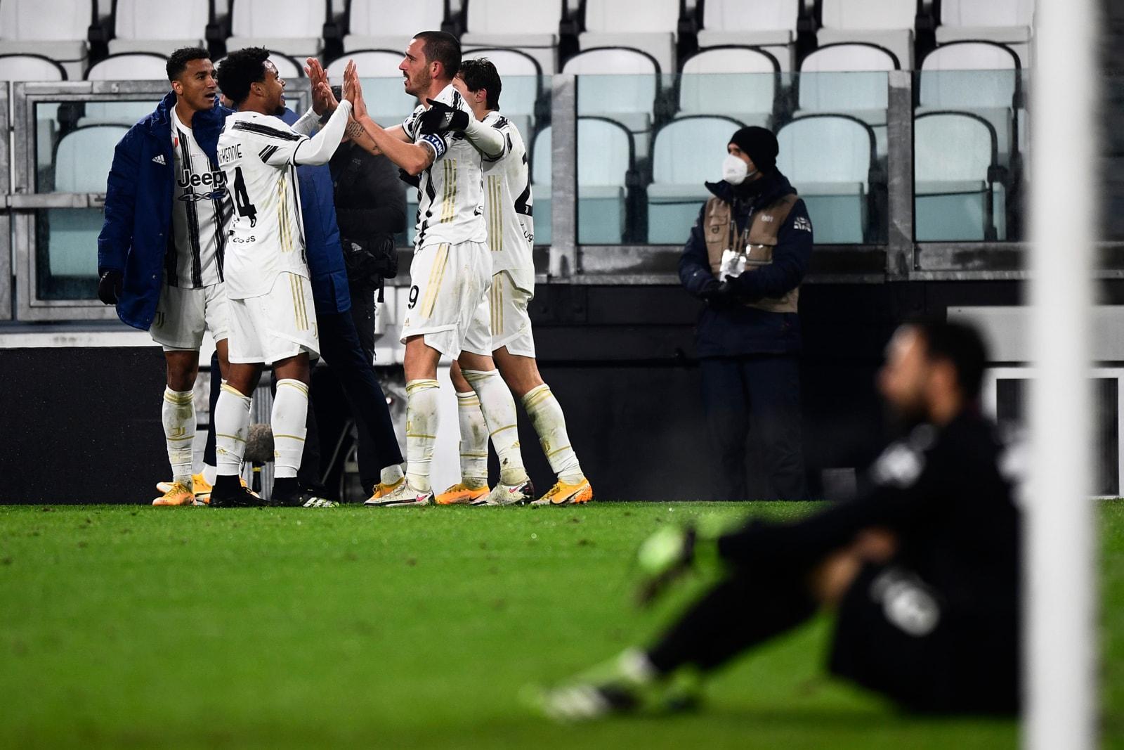 McKennie e Bonucci gol, derby alla Juve: al Torino non basta Nkoulou