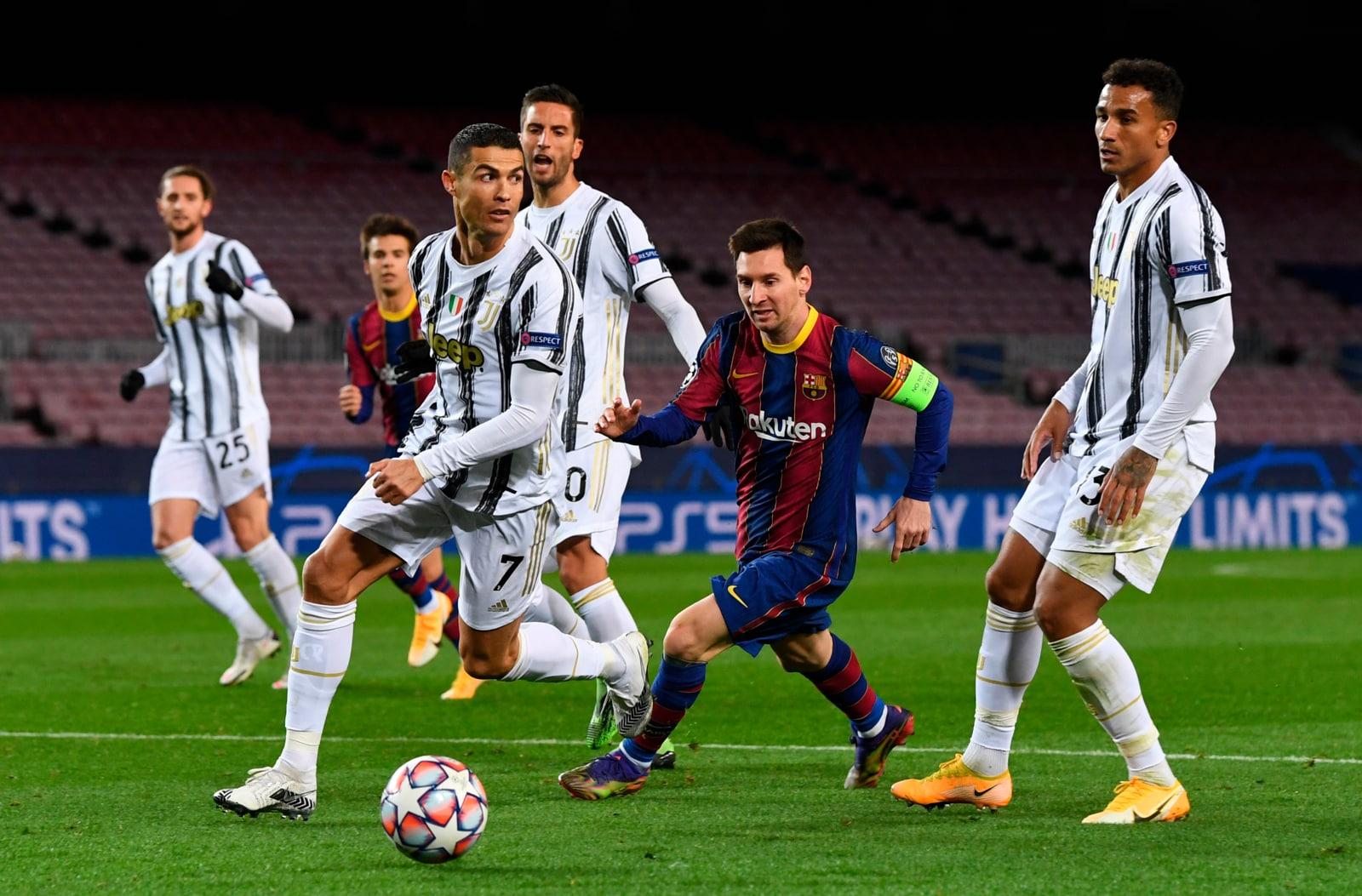 Ronaldo strappa palla a Messi: ecco la coda