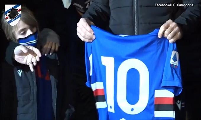 L'omaggio di Quagliarella e la Samp per Maradona