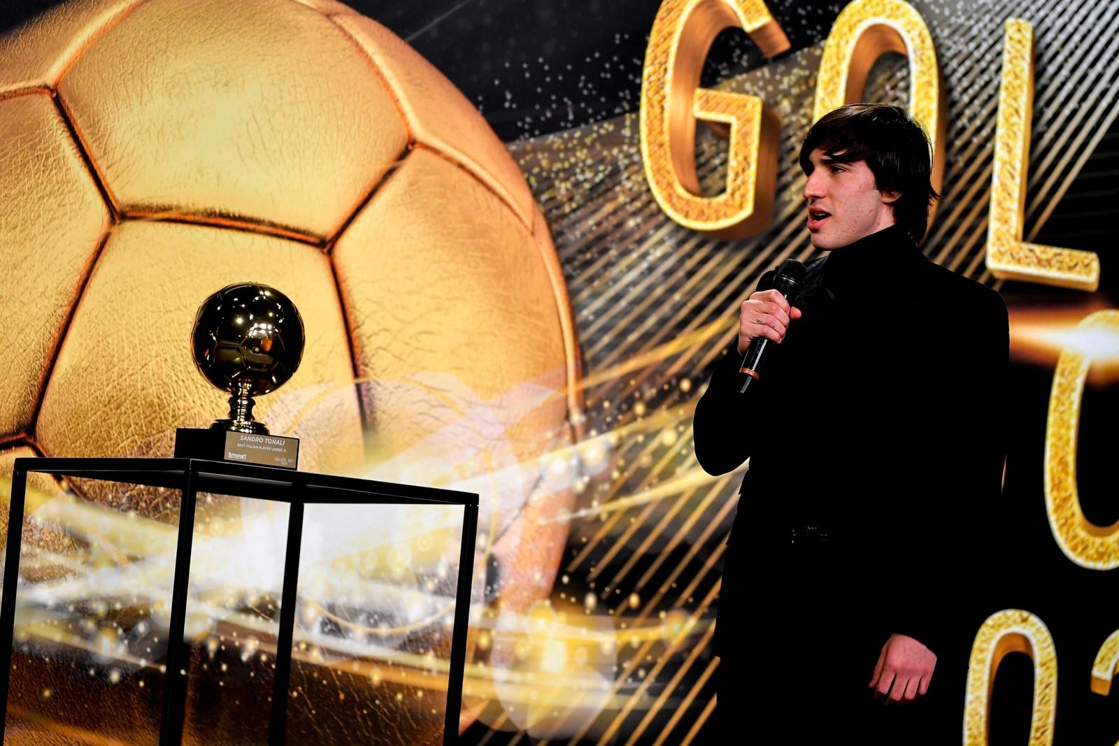 Golden Boy, Sandro Tonali premiato come miglior giocatore Under 21