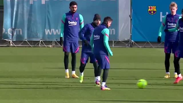 Barcellona, l'allenamento di Messi e compagni