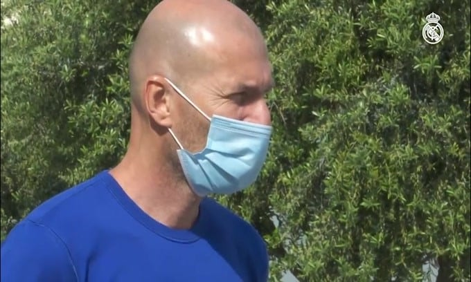 """Dalla Spagna: """"Zidane in isolamento dopo contatto diretto con un positivo"""""""
