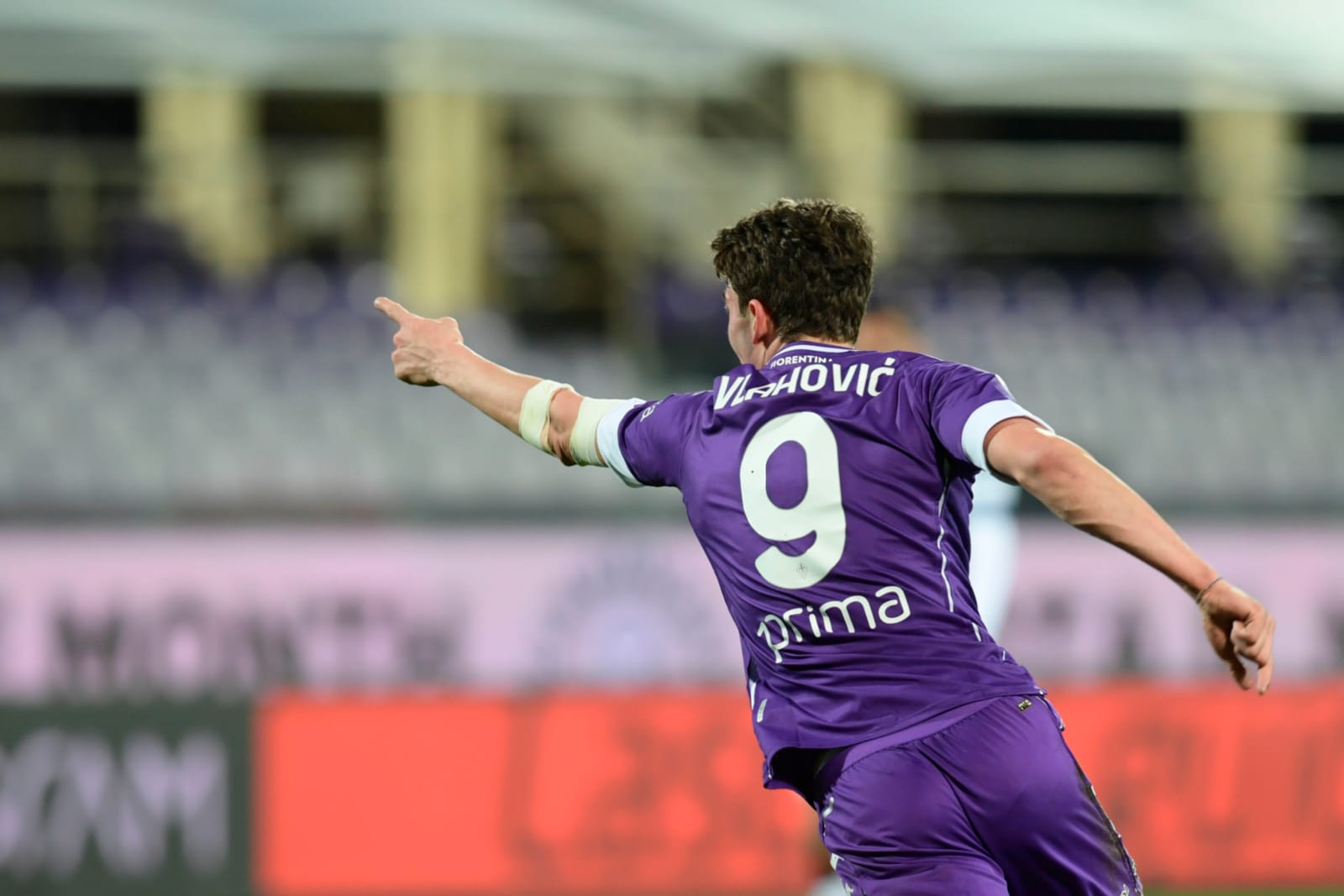 Festa Fiorentina: Dragowski chiude la porta, poi Vlahovic piega il Cagliari