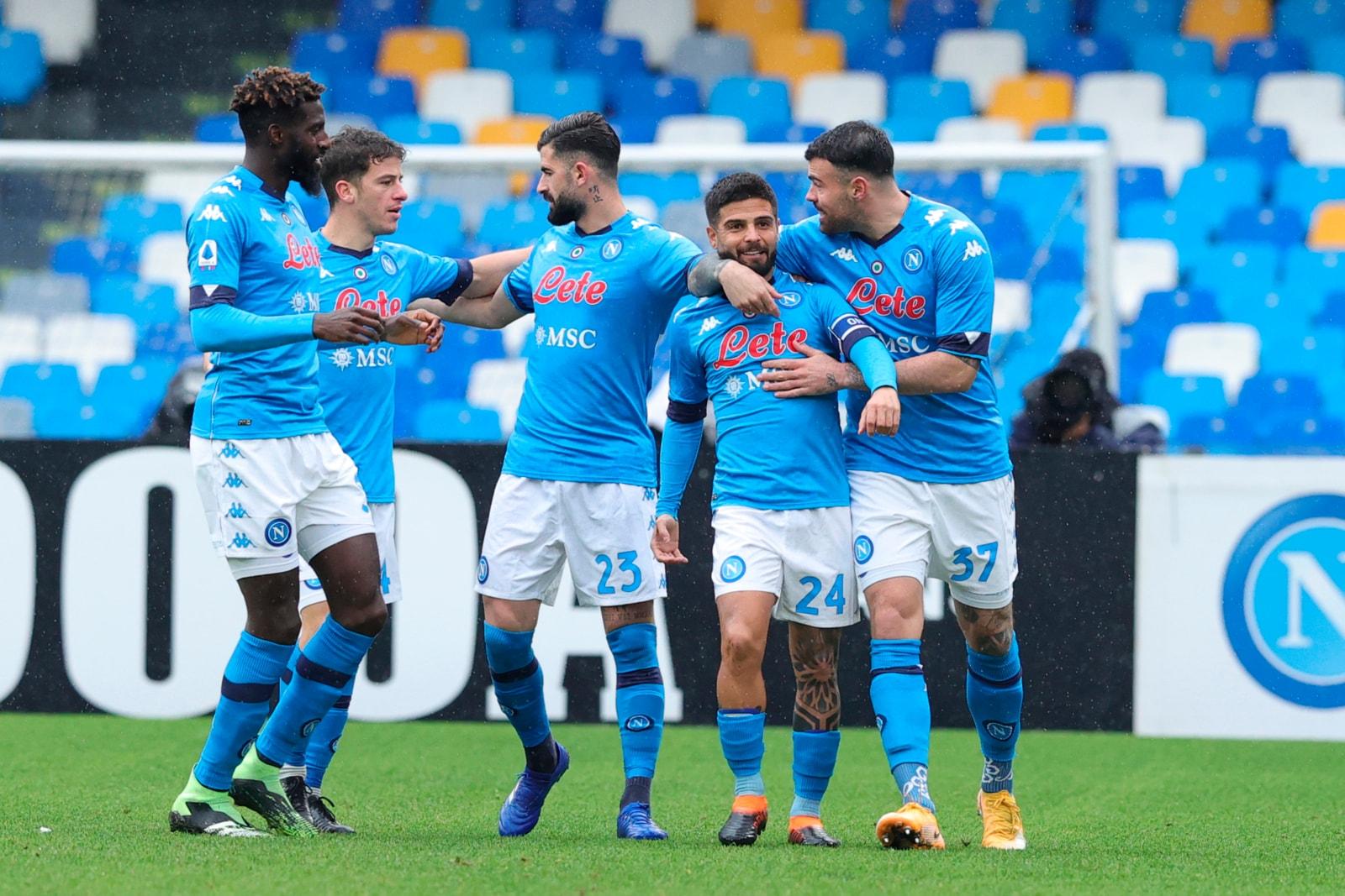 Il Napoli è pronto alla Supercoppa contro la Juve: 6-0 alla Fiorentina!
