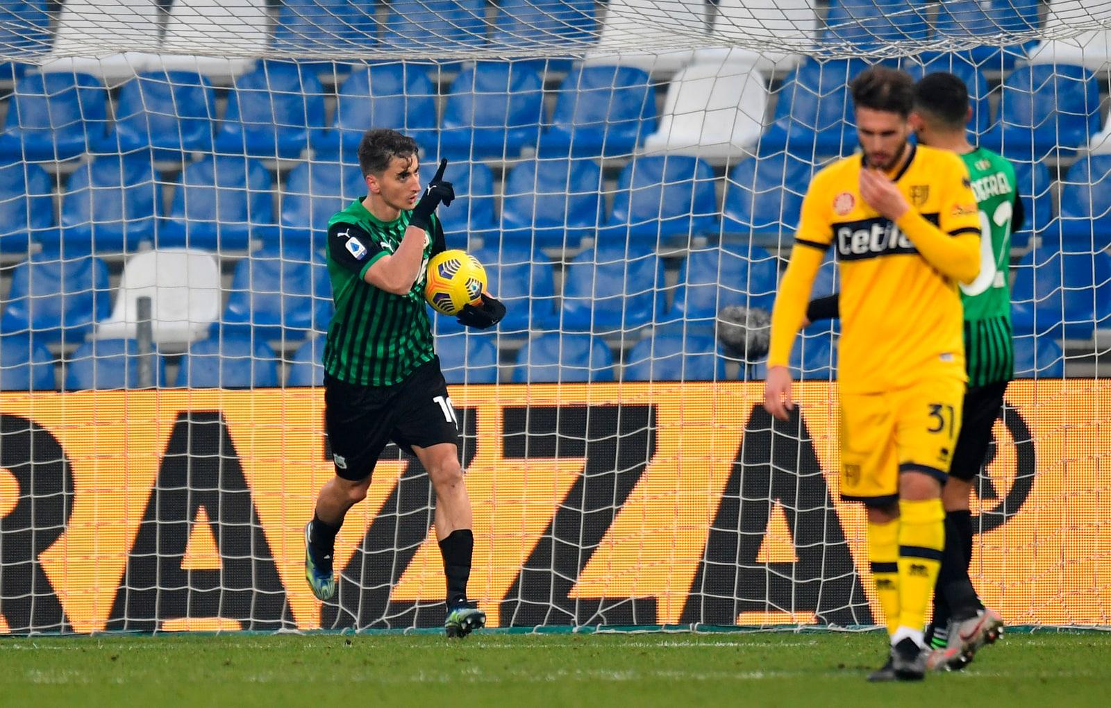 Il Parma sciupa tutto al 94': Djuricic regala un punto al Sassuolo