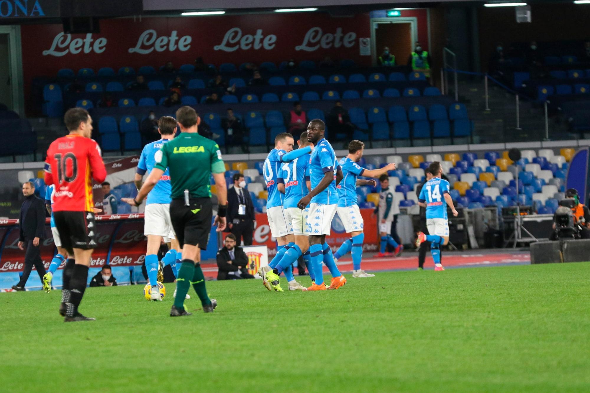 Il Napoli non sbaglia: Mertens e Politano stendono il Benevento