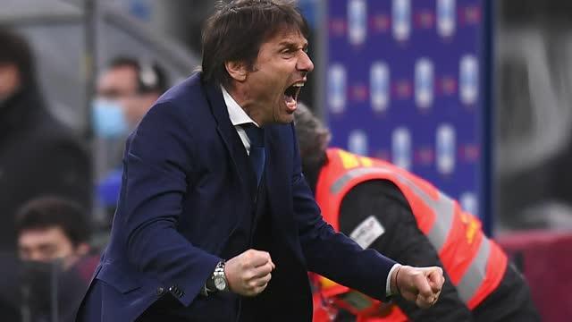 """Conte vede il traguardo: """"Mancano tanti punti e la pressione sale"""""""
