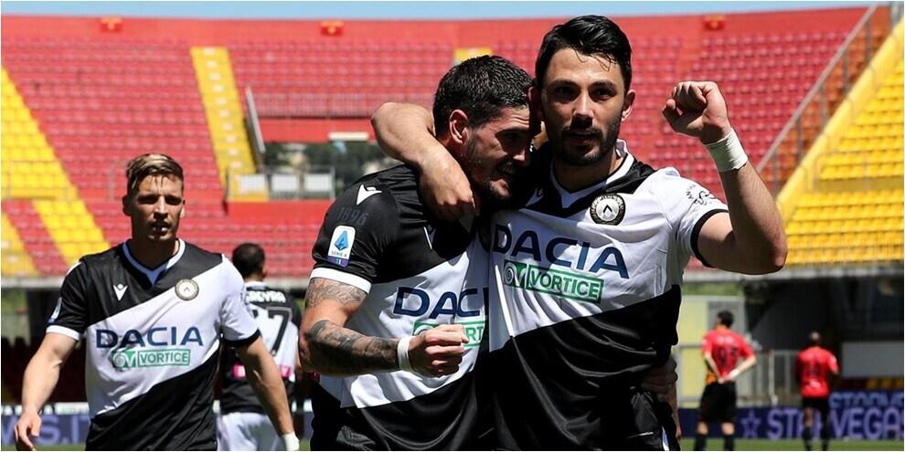 Poker Udinese al Benevento: gol e spettacolo al Vigorito