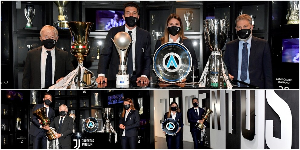 Buffon al Museo della Juve con la Coppa Italia e lo scudetto femminile