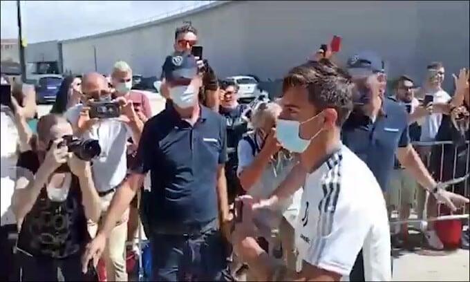 """Dalla Francia: """"Barcellona su Dybala: scambio con Griezmann"""""""