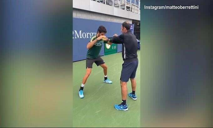 Tennis, i riflessi super di Berrettini in allenamento