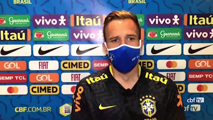 """Arthur: """"Juve, Tite mi convoca quando gioco..."""""""