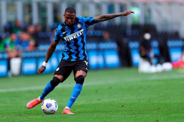 Inter, per Young ritorno all'Aston Villa