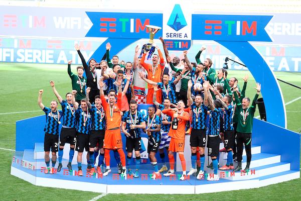 Inter, emesso un francobollo per celebrare la vittoria dello scudetto